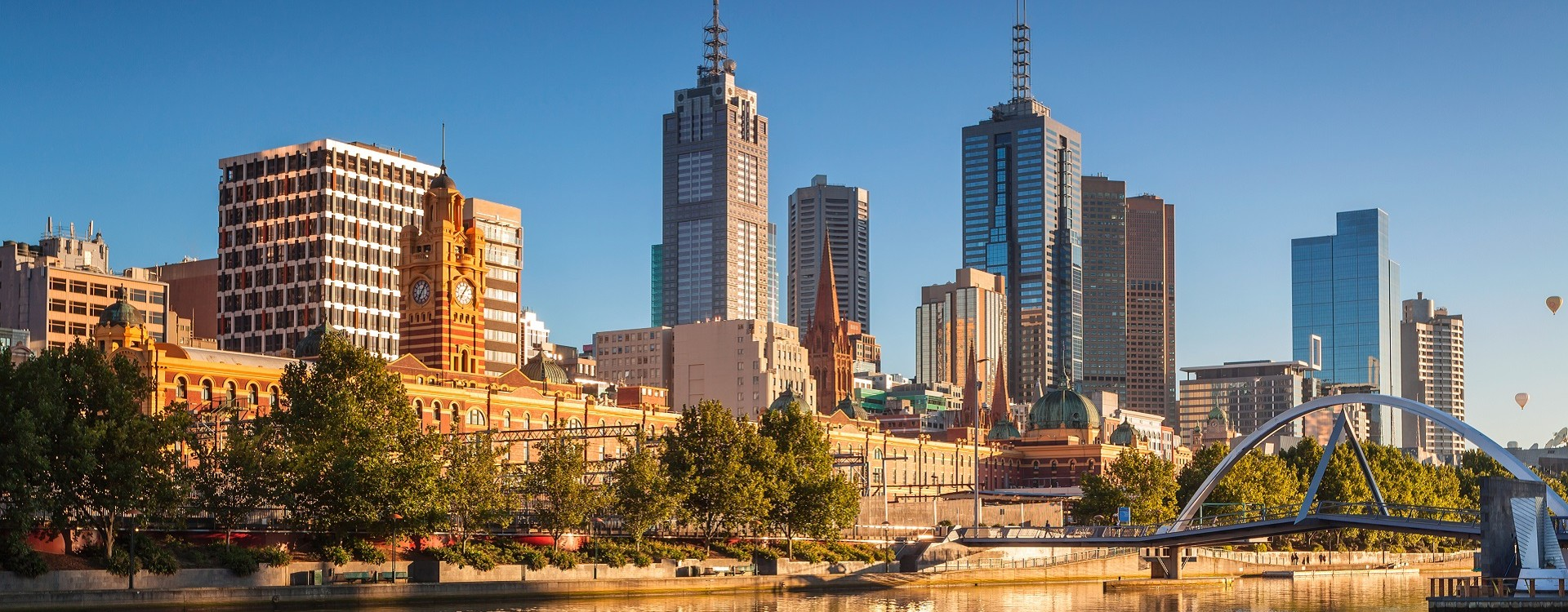Take a stroll along Melbourne's Yarra riverside
